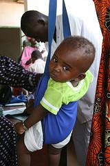 Barn i Gambia som får del av UNICEFs arbete