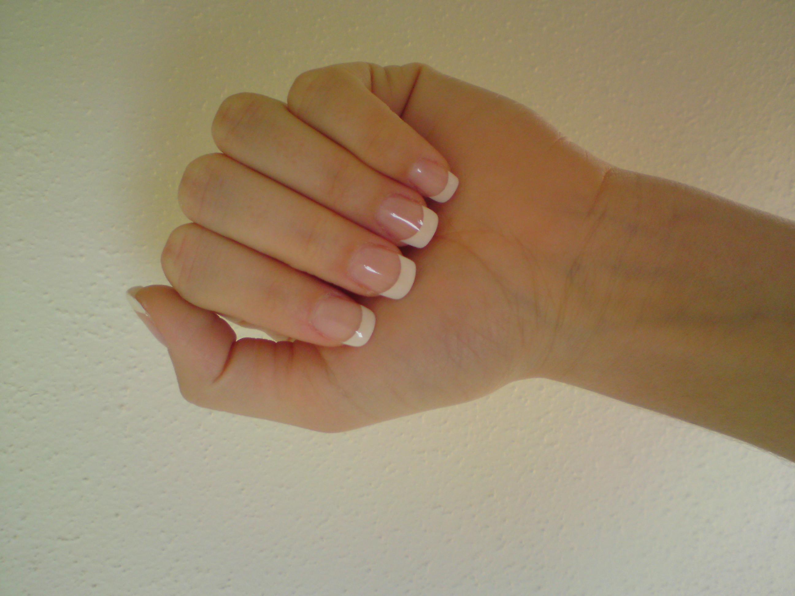 Fina naglar